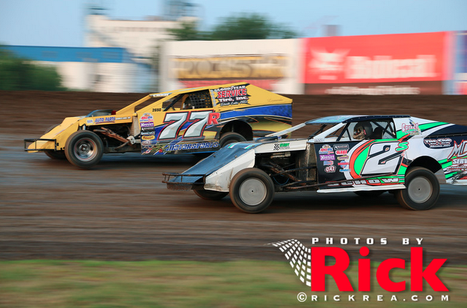 Ryan Schroeder Matt Schow River Cities Speedway, WISSOTA Midwest Modified, Race Photos by Rick Rea